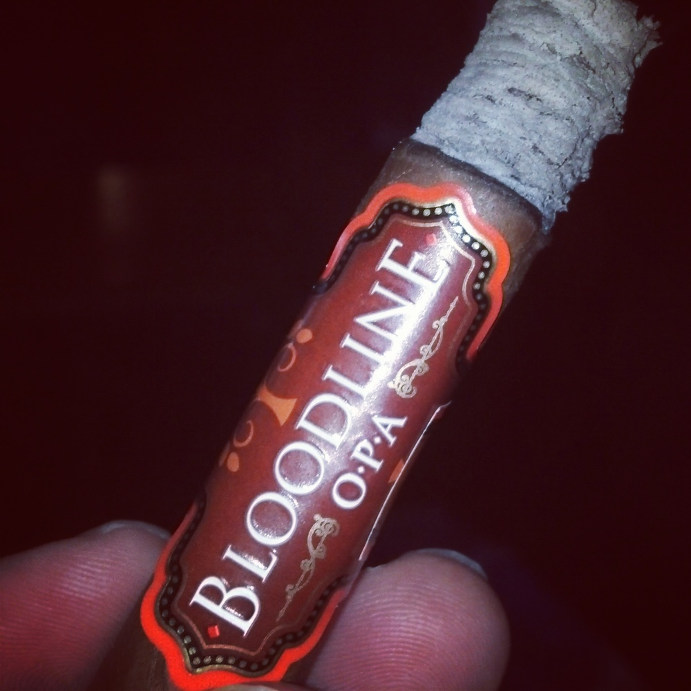 Bloodline Habano with its 75% ligero leave blend is soft crushed so the aroma and taste of full bodied flavor is what you taste but the spice is mysteriously gone.