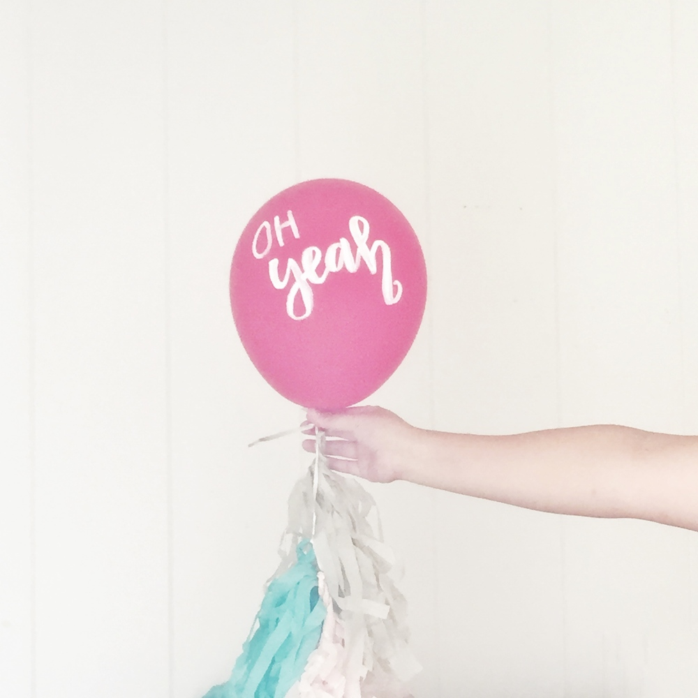 Give your plain balloons an easy upgrade with a little paint and some fun phrases! Learn how to spread joy simply with a little bit of paint. | Hey Love Designs http://www.heylovedesigns.com/2015/10/11/balloons-messages/