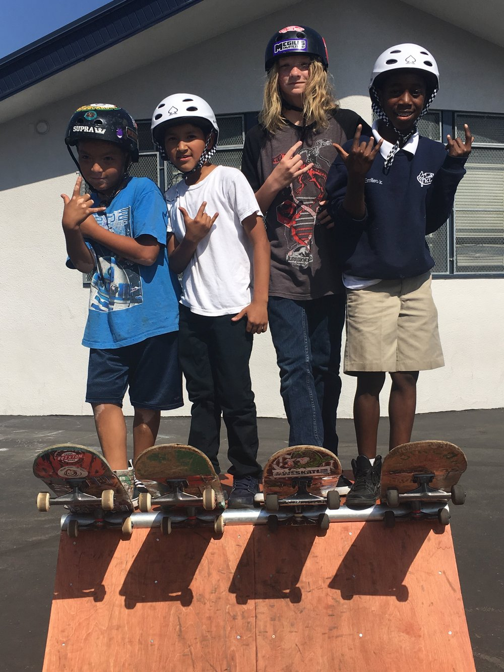 Over 40 boys and girls of from The Keiller Leadership Academy received a full skateboard setup along with a helmet for the Holidays from RFTH. Hope they have a Rollin', Merry Christmas!