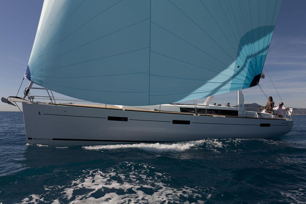 coast-yacht-charter-beneteau-oceanis-45-1.jpg