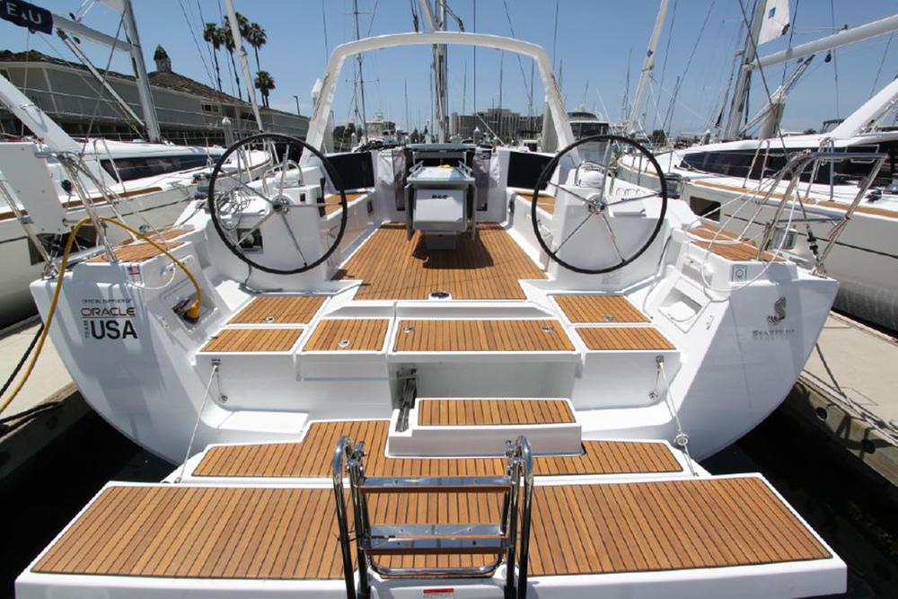 coast-yacht-charter-beneteau-oceanis-45-2.jpg