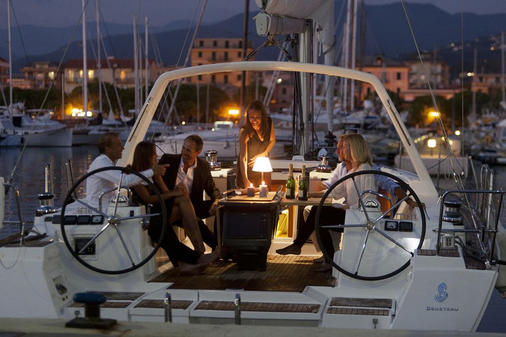 coast-yacht-charter-beneteau-oceanis-45-4.jpg