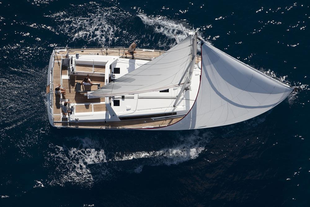 coast-yacht-charter-beneteau-oceanis-45-8.jpg