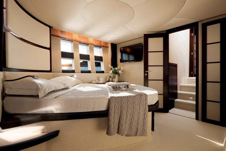 coast-yacht-charter-membership-fractional-lease-share-boat-club-62-azimut-12.jpg