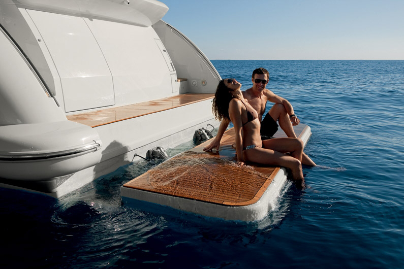 coast-yacht-charter-membership-fractional-lease-share-boat-club-62-azimut-15.jpg