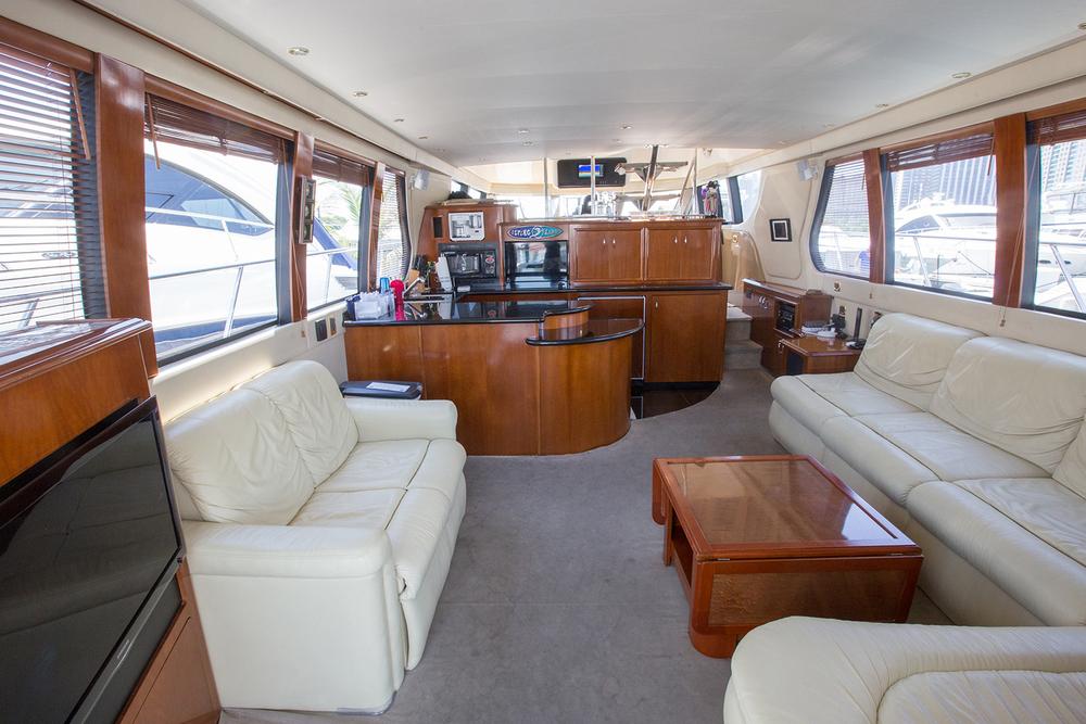 carver-570-coast-yacht-charter-6.jpg