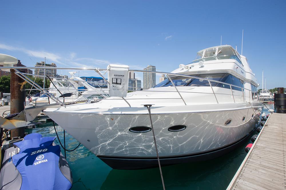 carver-570-coast-yacht-charter-8.jpg
