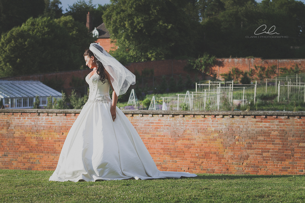 bride pose sugnall walled gardens Derby Wedding Photographer.jpg