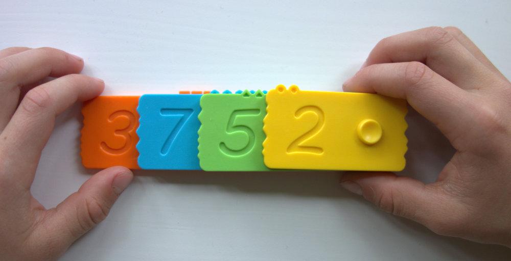 Preschool activities to learn fun math with the newmero bricks.