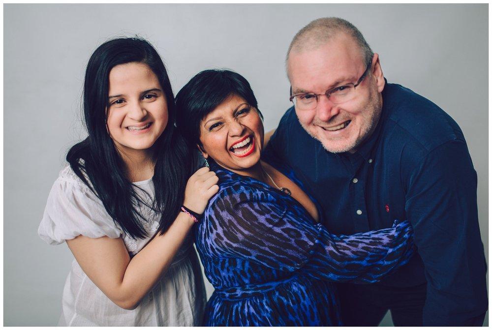 familjefotografering stockholm pris, familjefotograf stockholm, barnfotograf, studiofotograf, linda rehlin, cecilia pihl, bästa barnfotografen,