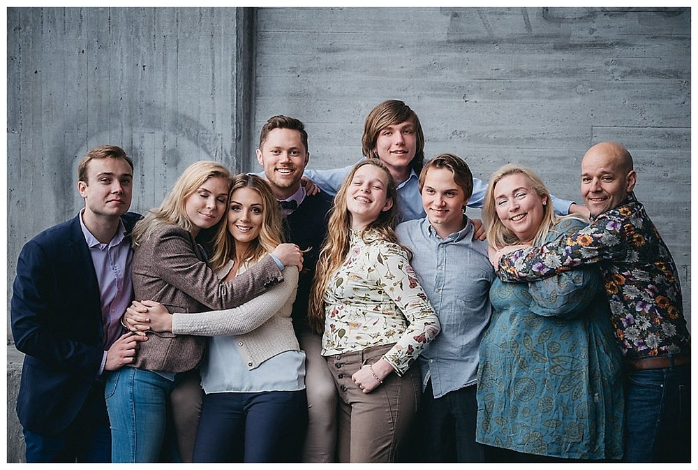 familjefotograf stockholm_familjefotograf vallentuna_familjefotografering täby_barnfotograf norrort_studiofotograf_familjefotografering stockholm_linda rehlin_cecilia pihl