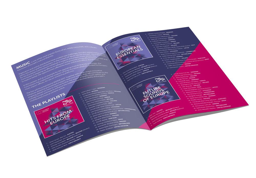 Mockup_A4_Brochure_inside.jpg