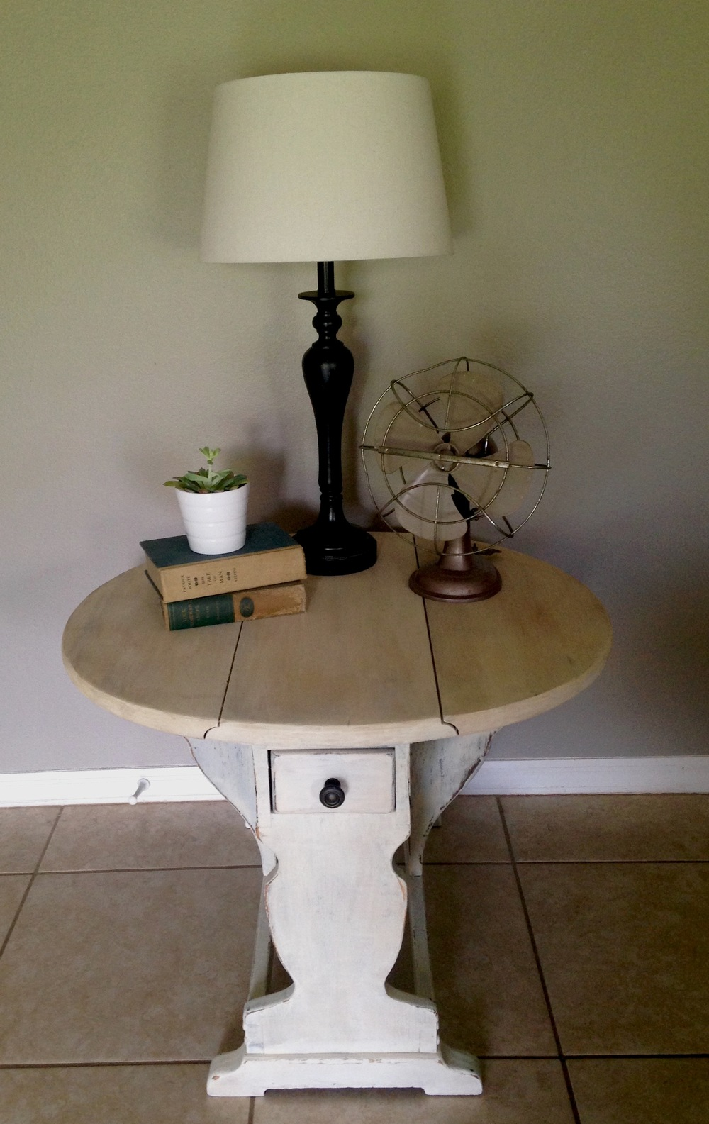 milk-paint-end-table