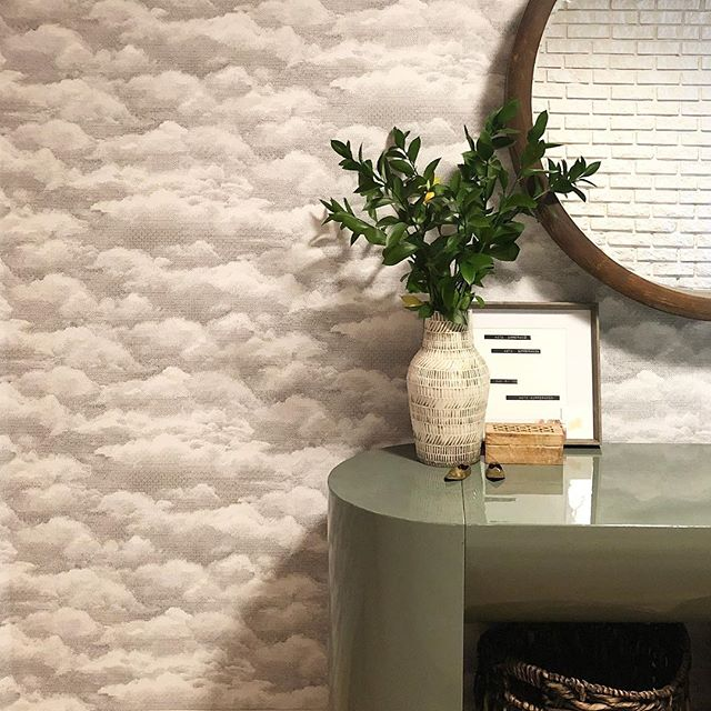 It's a gloomy, cloudy day here...but our entryway is now full of happy clouds thanks to @ryangaspo 's skills and @wallpops 🙌🏻☁️ #studiogaspo #70spartypad #entryway #interiordesign #orlando #orlandointeriordesign #interiorstyling #brassaccents #greenery #foyer #foyerdecor #entrywaydecor #wallpops #peelandstickwallpaper #houzz #smmakelifebeautiful #cljsquad #hgtv #currenthomeview #abmathome #theeverygirlathome #apartmenttherapy #ruemagazine