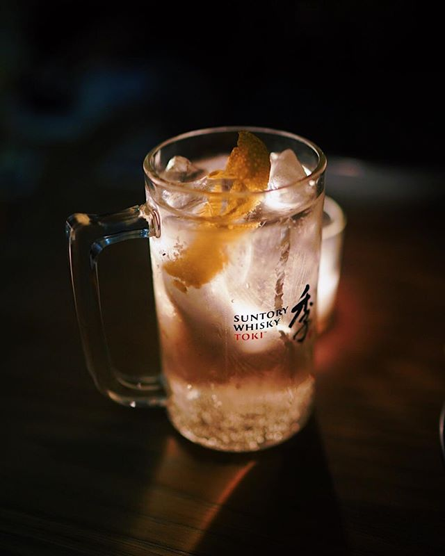 Highballs were a daily thing for me when I was in Japan. So glad to see it's having its moment in NYC at places like @tonchinnewyork, @sakebarhagi46 & @momolongplay. Thanks for having me on the #TokiTime Highball Crawl with @suntorytoki! #SuntoryToki #readysetjo . . . . . #drinkporn #nycdrinks #huffposttaste #seeyourcity #tastingtable #cocktail #craftedmixology #imbibegram #thirstynyc #craftcocktail #worldsbestbars #50bestbars #supercall #ttcocktails #liqpic #makeitworldclass #drinkpunch #driiiiinks #boozeblogger #cocktailblogger #drinkblogger #cocktailculture #cocktaillover #nyccocktails #japanesewhisky #highball #japanesecocktail