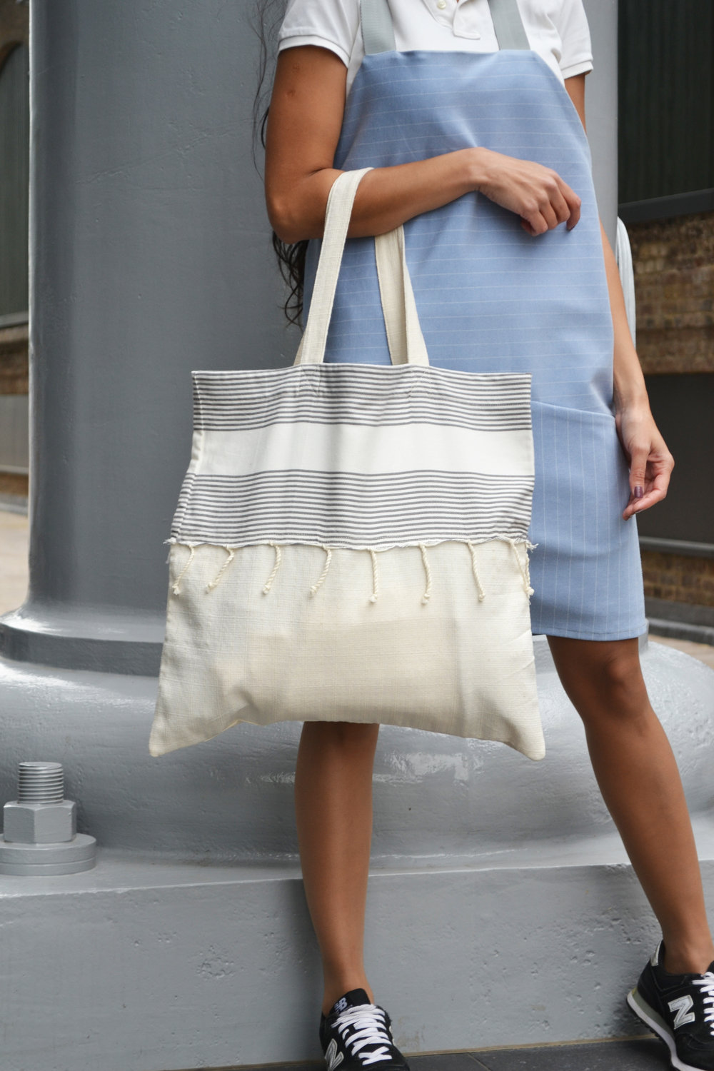 beach bag grey stripes 2