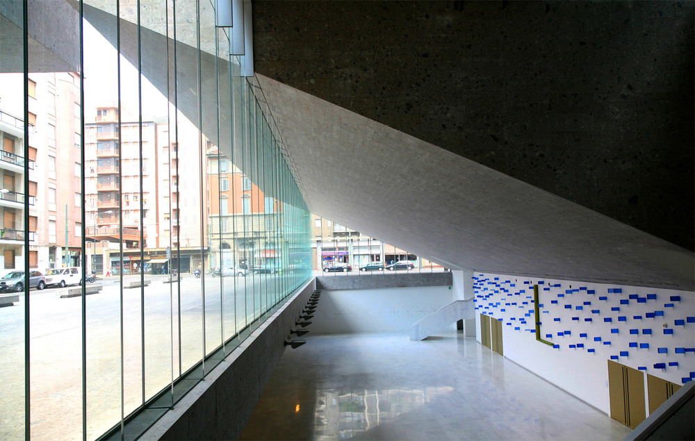 Universita-Commerciale-Luigi-Bocconi-Interior.jpg