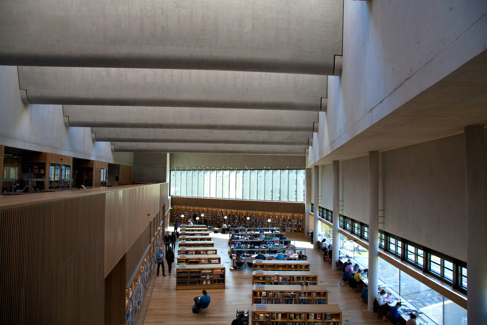 DLR-Lexicon-Main-Hall.jpg
