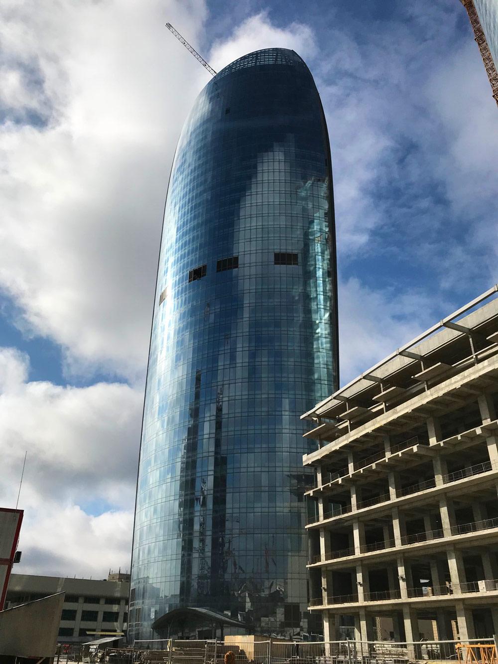 18-Crescent-City-Baku.jpg
