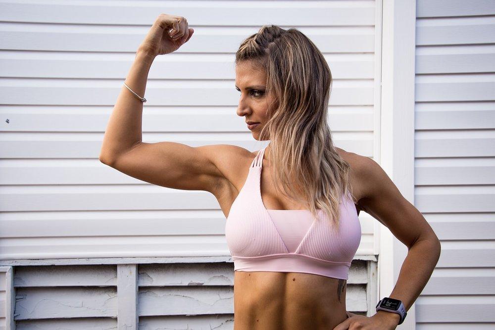 muscle girl.jpg