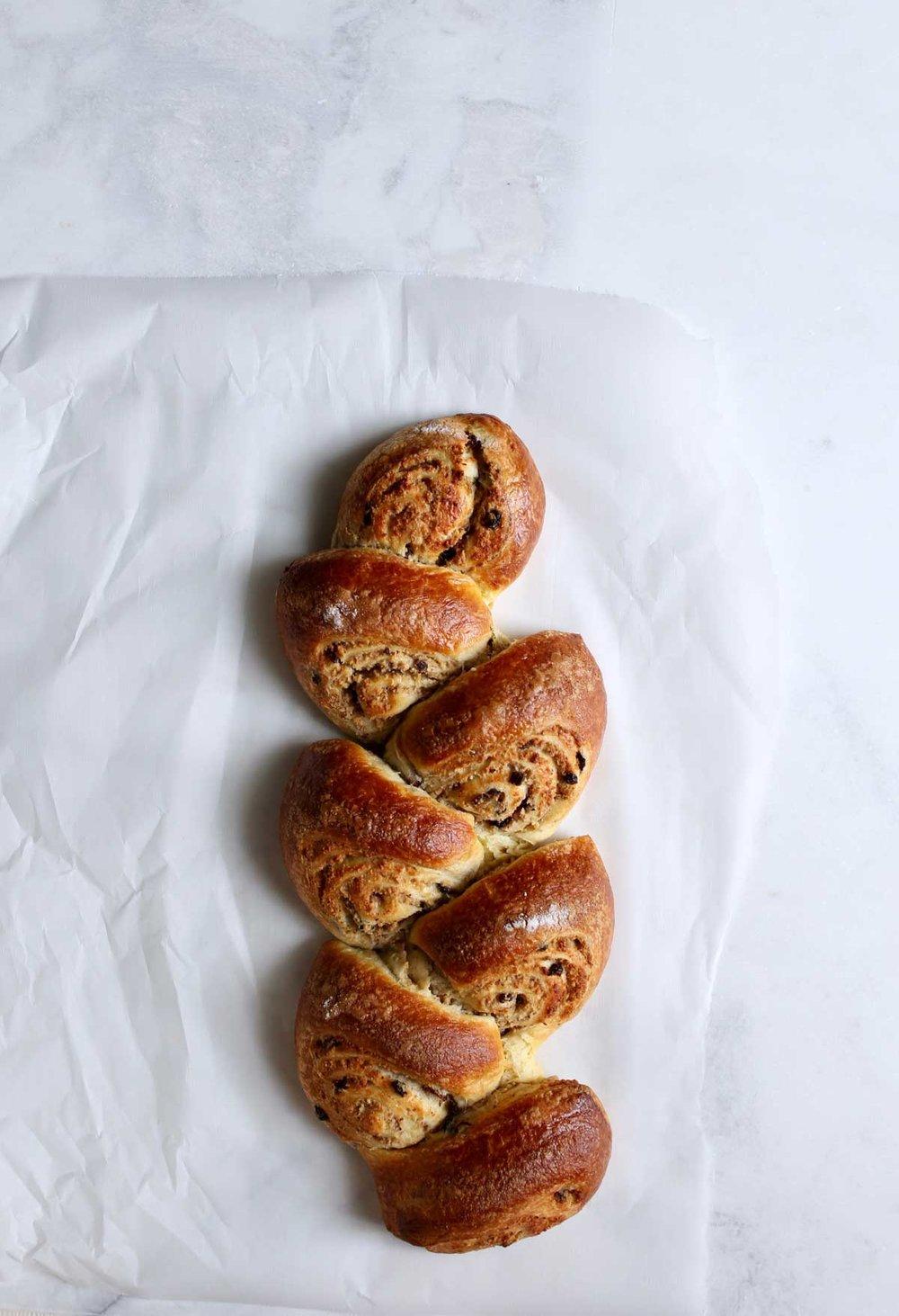 hazelnut-currant-rolls-(1)-O.jpg