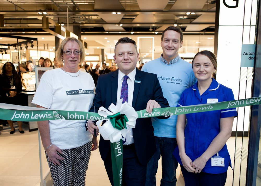leeds_commercial_events_photographer_james_arnold_jarnold_Victoria_Gate_Opening_Leeds_0030.jpg