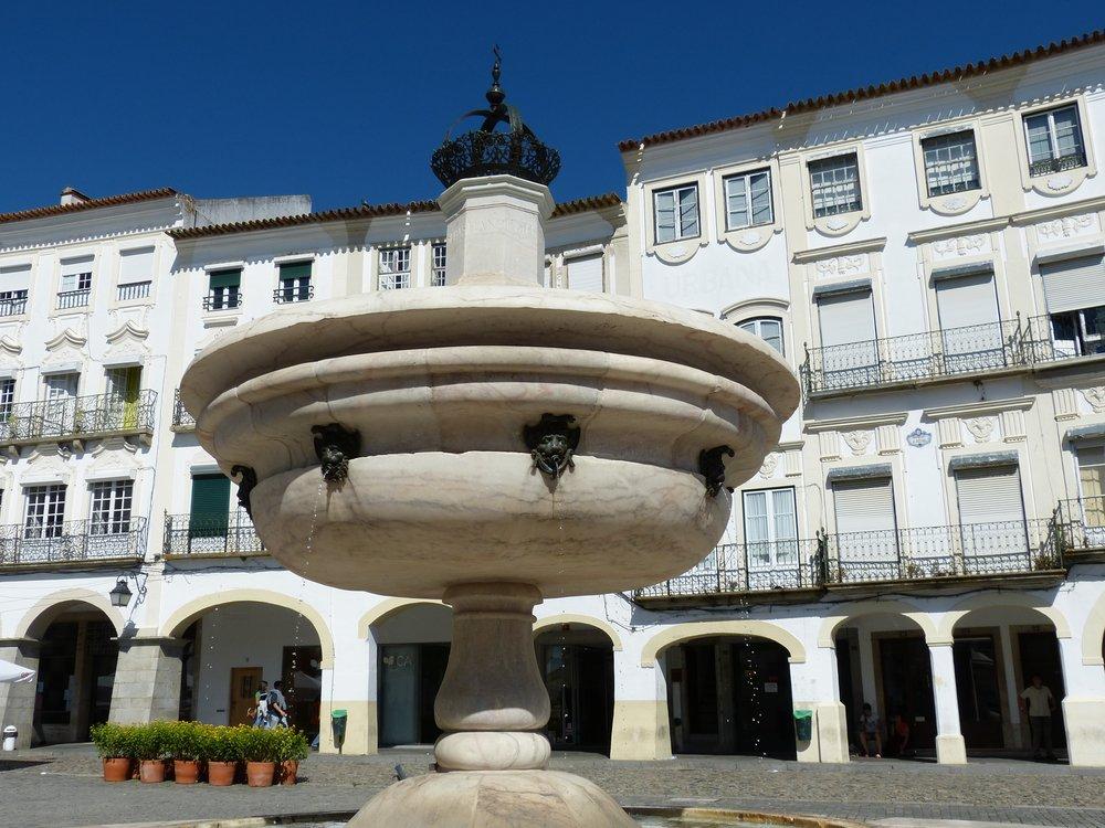 @ Praça do Giraldo, Évora