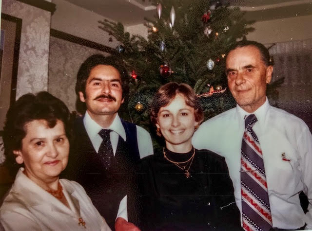 With my brother and parents, Christmas 1987.