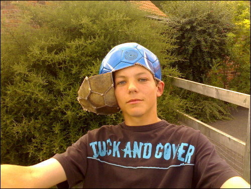 Bebo-was-shut-down-today-Here-s-some-of-his-pictures-from-his-profile-louis-tomlinson-32172620-500-376.jpg