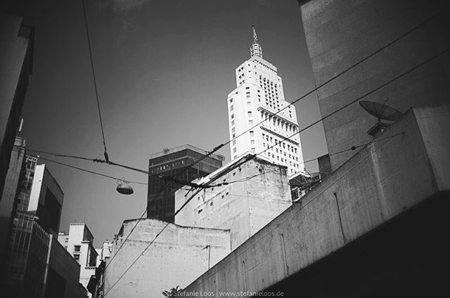 Sao Paulo . . . .  Foto: @stefanie_loos . . .  #photojournalism #fotokombinat #stefanieloos #stefanieloosfotografie  #brasil #elenao #brasilien #elections #everydaybrasil #everydayeverywhere #saopaulo #brazil #savebraziliandemocracy #womenphotograph #nikon #nikondeutschland