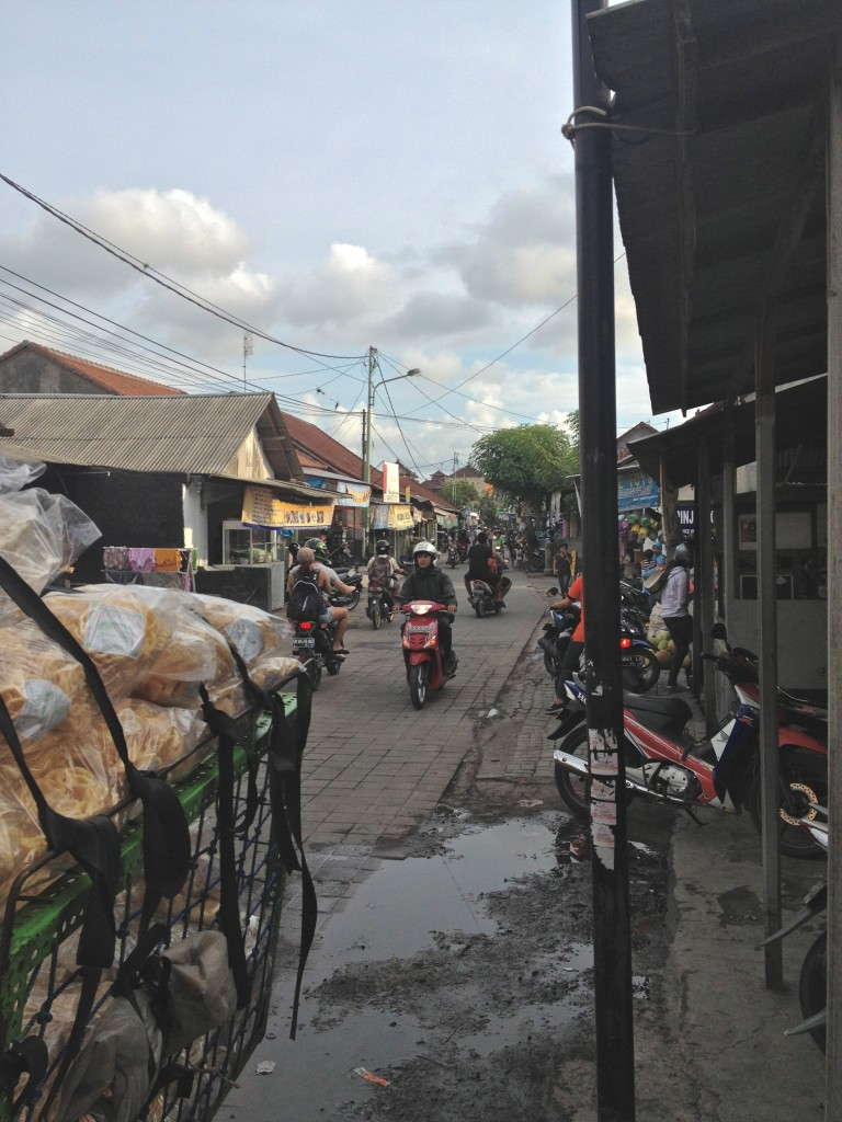 Streets in Bali do not have sidewalks. Good luck trying to walk anywhere during rush hour.
