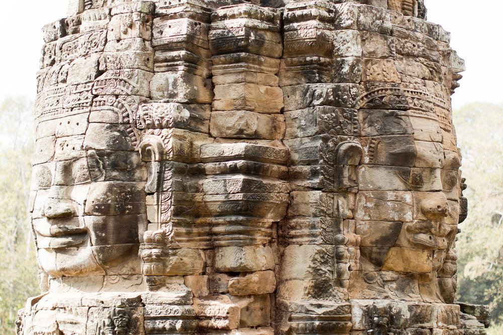 siem reap - A lively town serving as the gateway to the ancient temples of Angkor and the heart of Cambodia's Tonle Sap. Away from the tourist-heavy old town, Siem Reap boasts a vibrant performing arts scene .