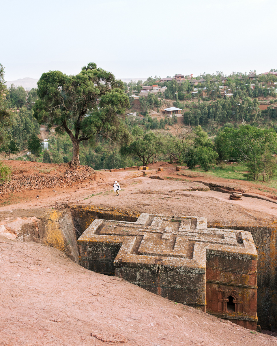 Ethiopia - Trace the anthropological beginnings of mankind in Ethiopia's Omo Valley guided by the leading figures involved in research findings, and discover the original remnants of Orthodox Christianity such as Queen of Sheba's Palace or the Ark of the Covenant.
