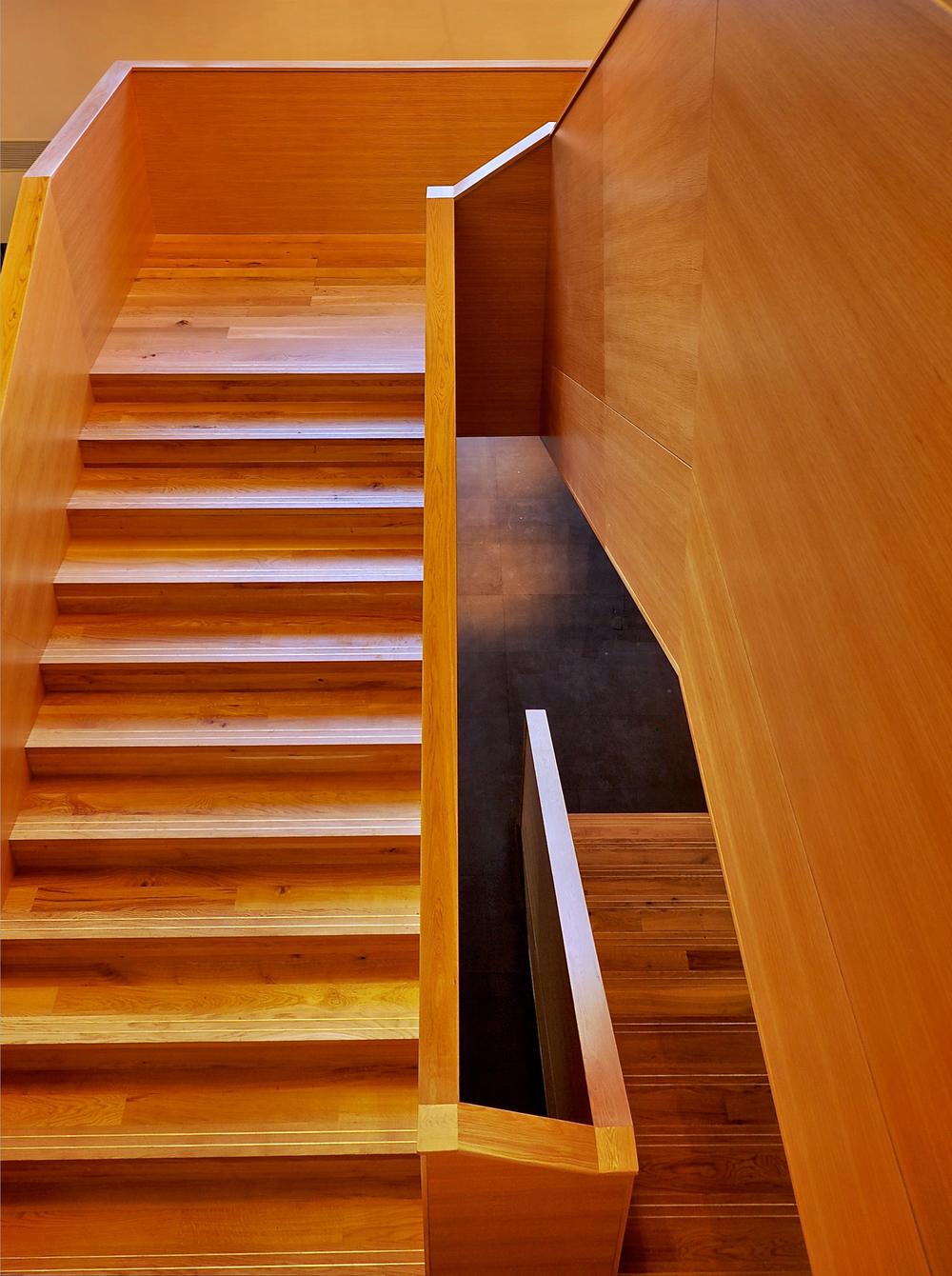 GRAND STAIRCASE 01.jpg