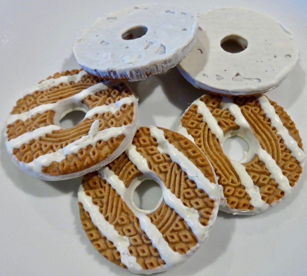 pumpkin spice white fudge stripe cookies