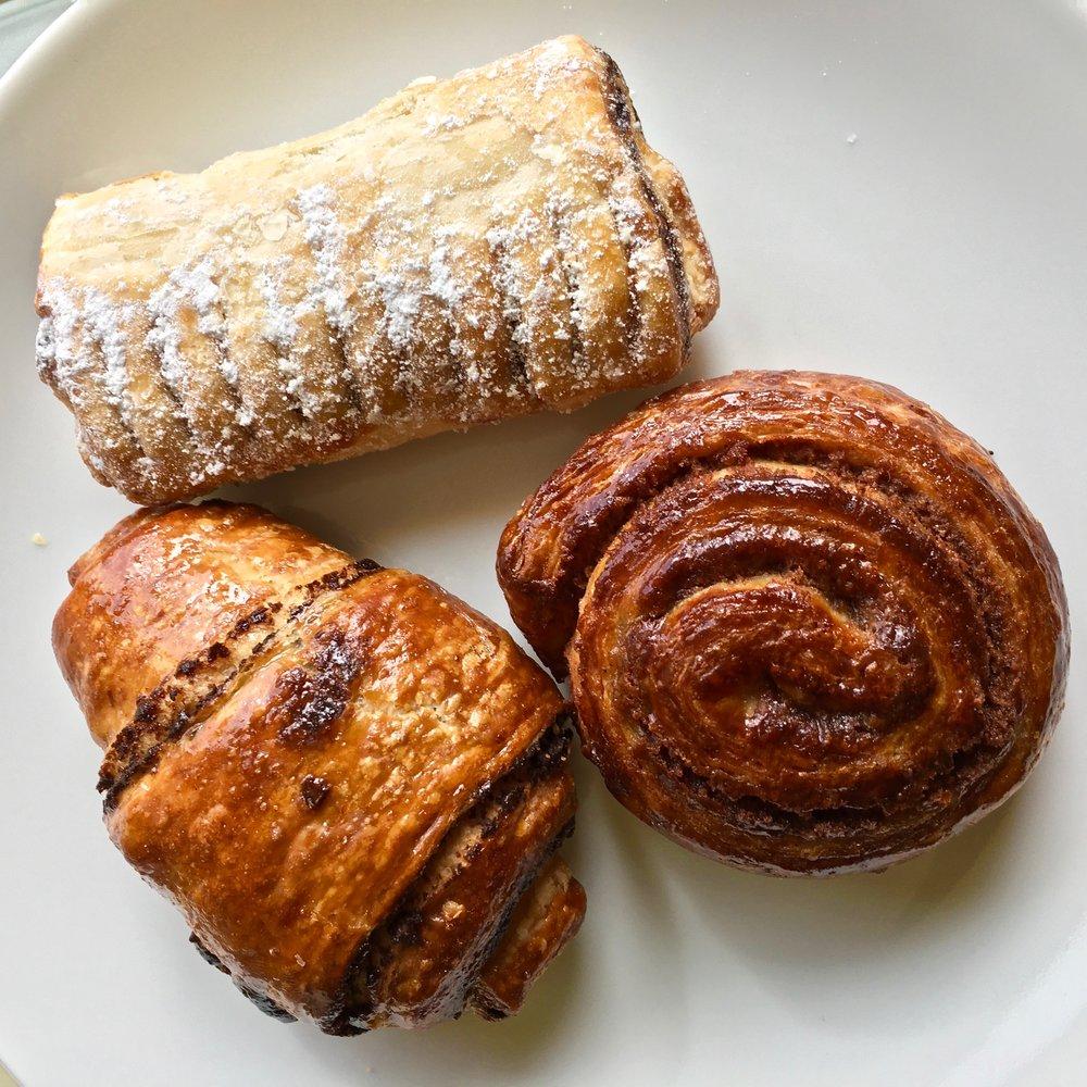 halva pan, chocolate rogolach a cinnamon roll