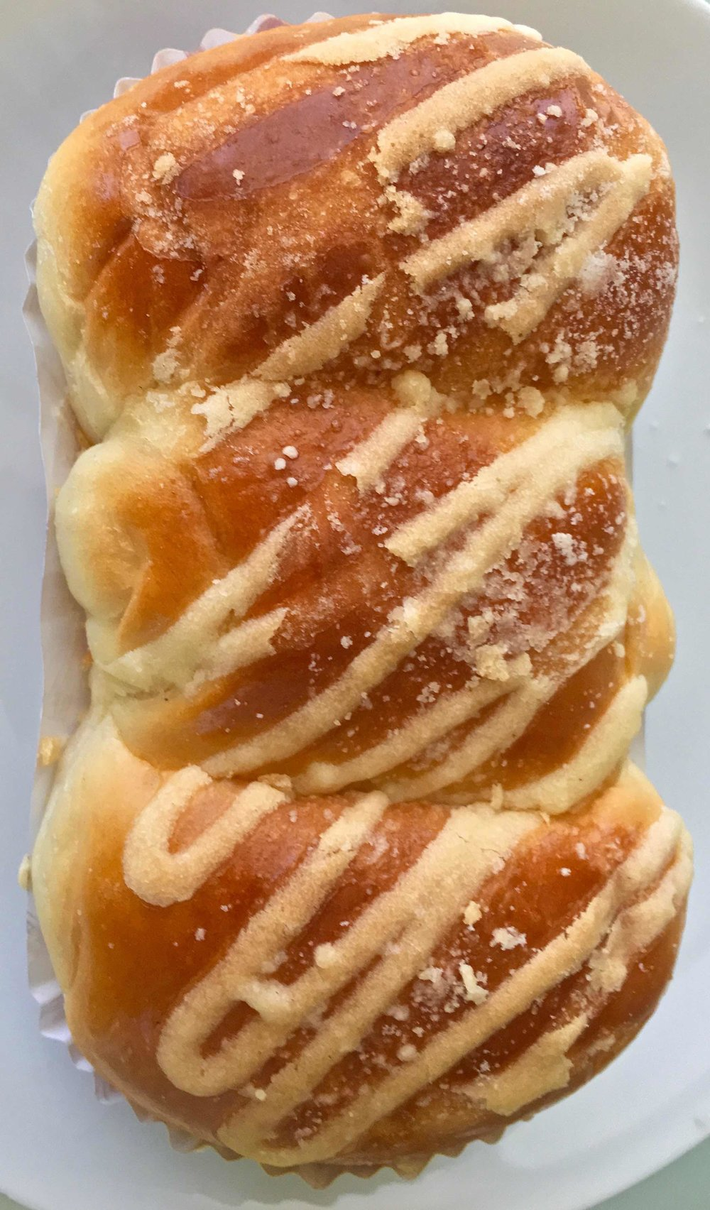 golden raisin custard roll