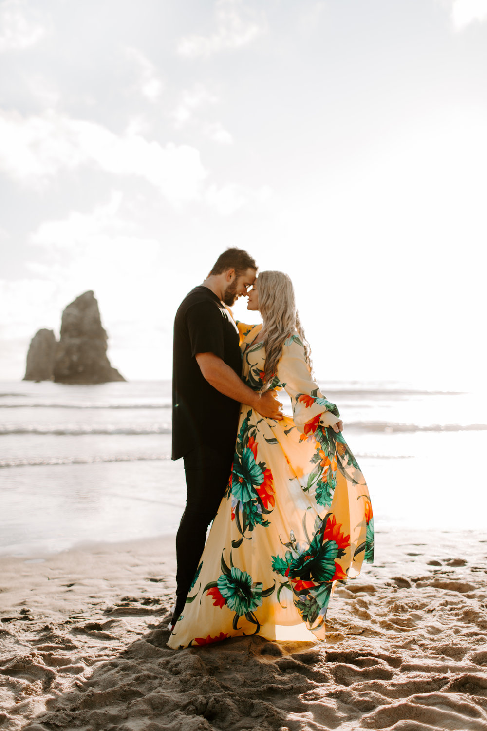 MADISONRYLEE_HANNAH+DAKOTA_CANNONBEACH_OREGONEngagement_0004.jpg