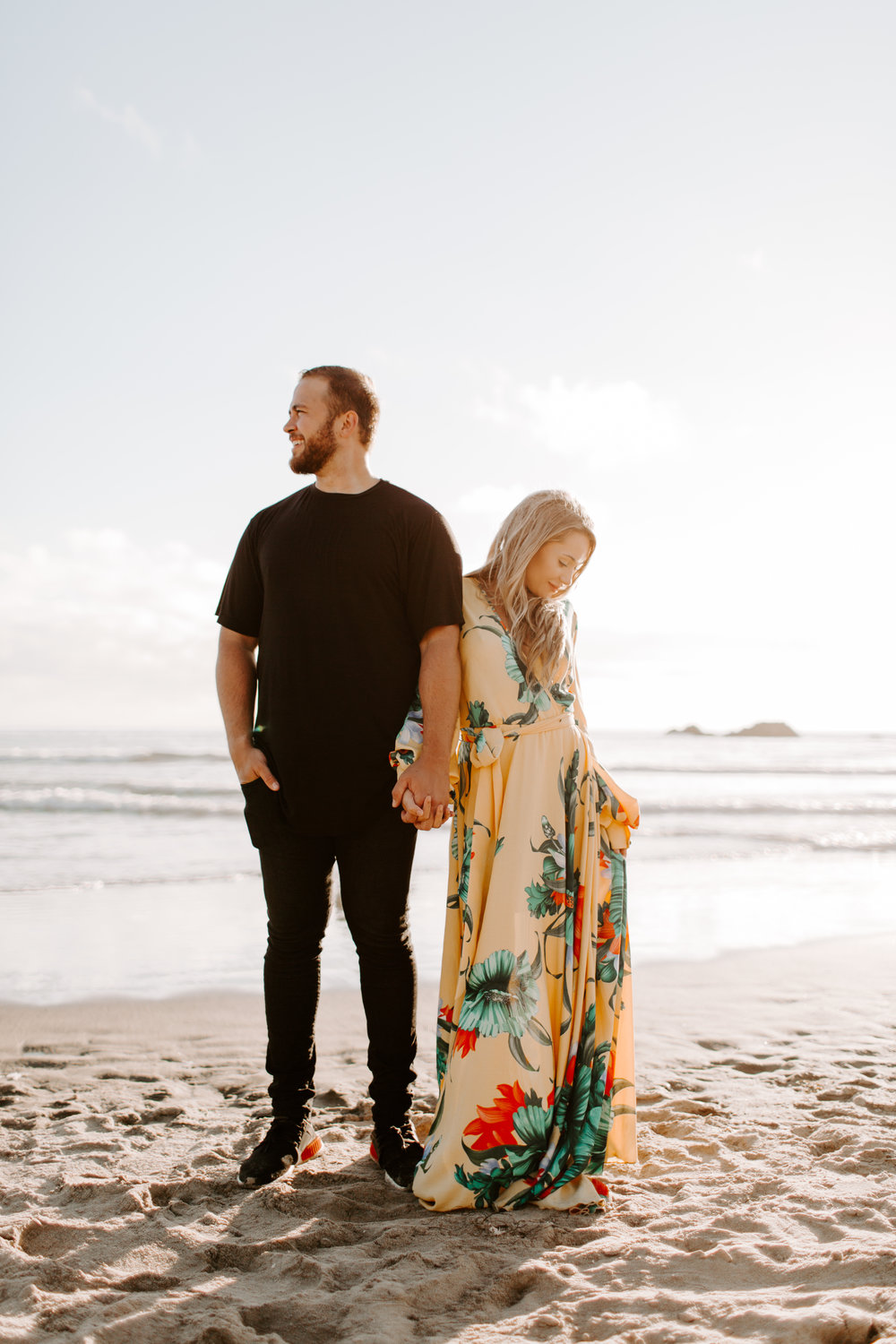 MADISONRYLEE_HANNAH+DAKOTA_CANNONBEACH_OREGONEngagement_0018.jpg