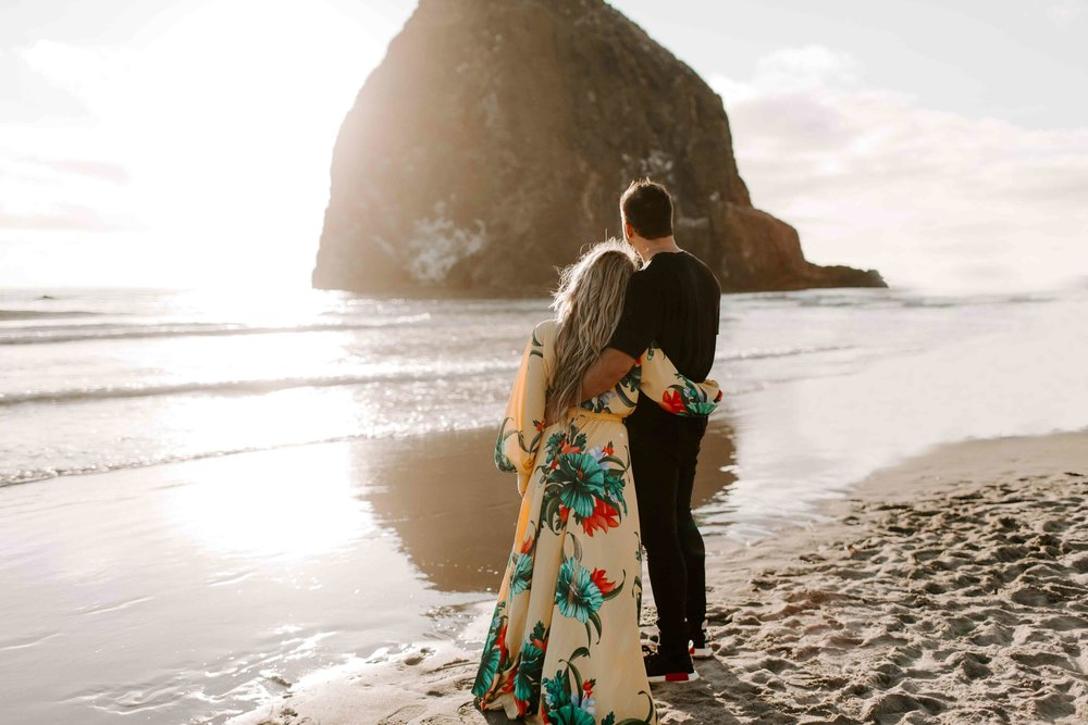 MADISONRYLEE_HANNAH+DAKOTA_CANNONBEACH_OREGONEngagement_0024.jpg