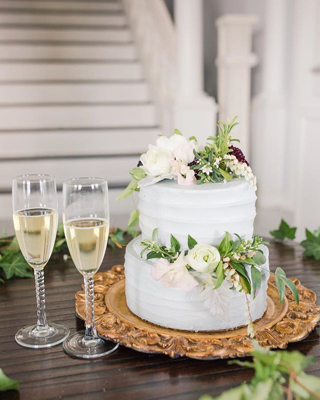 Vanilla Buttercream Cake. Simple, elegant, timeless. Photo by the very talented @mcsweenphotography. Your work is beautiful! Florals by @inspireddesignnc. Thank you to @sarahelizabethphotography for setting up such a wonderful event!