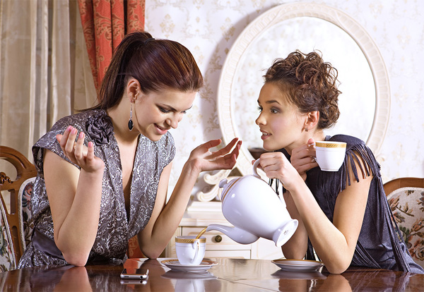 Two-Girlfriends-Drink-Tea.jpg