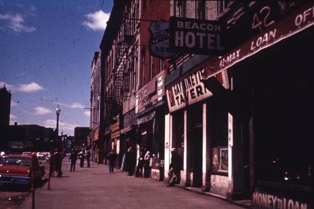 HHM Gateway184-Gay Nineties Tavern, Max's Loan Office, Beacon Hotel.jpg