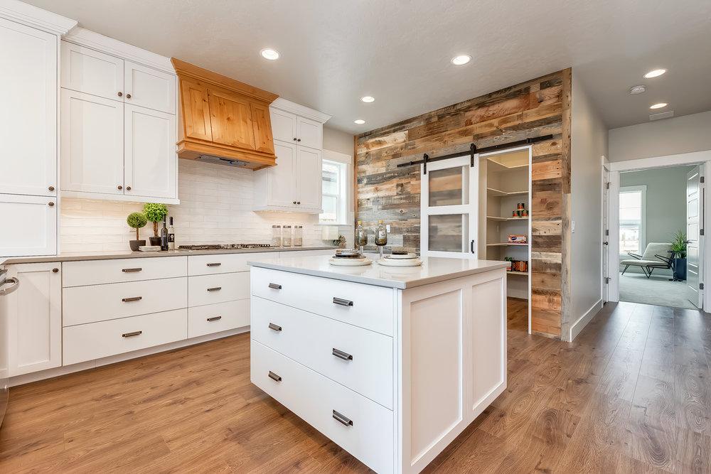 018_Kitchen .jpg