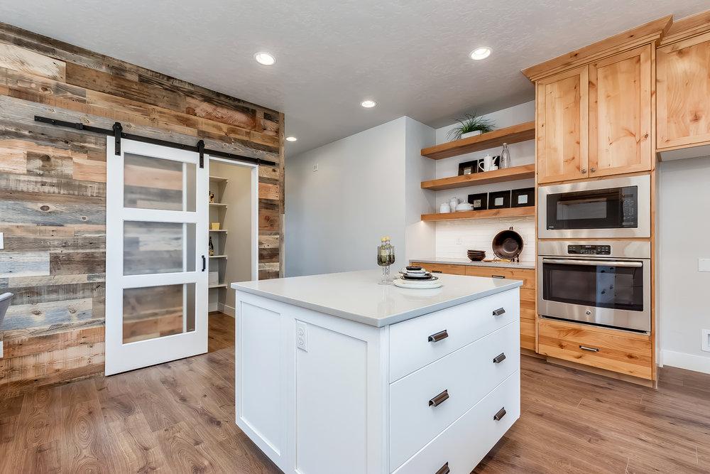 021_Kitchen .jpg
