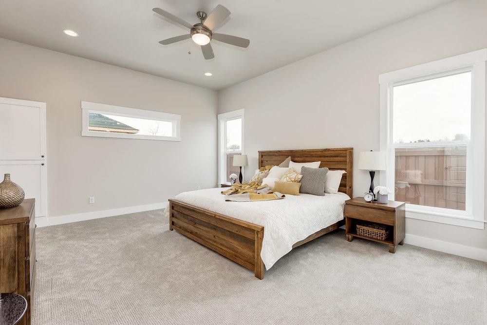 039_Master Bedroom .jpg