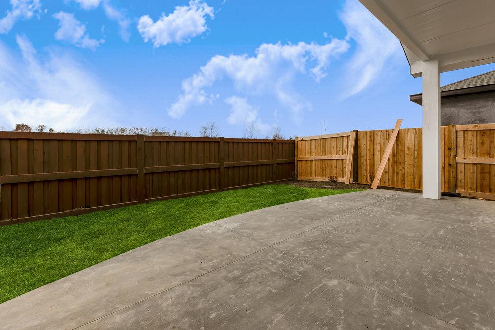 040_Backyard .jpg