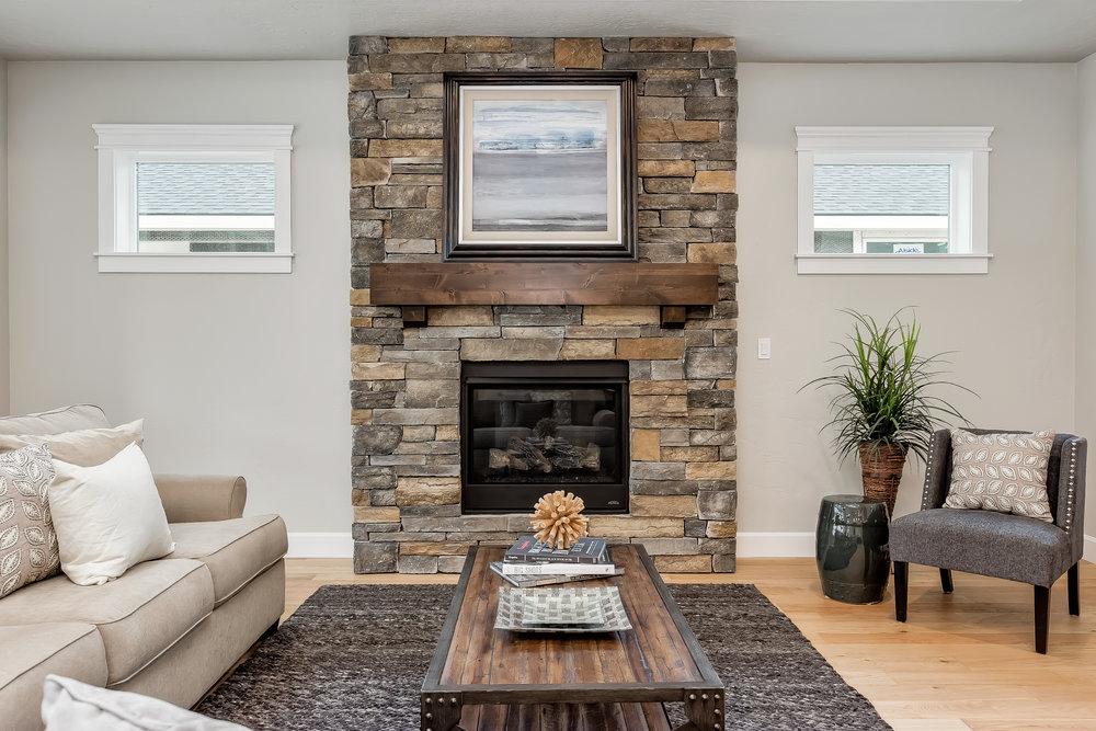 027_Living Room .jpg