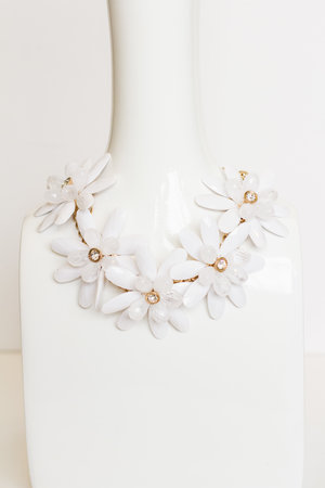 White flower statement necklace poshdhawaii white flower statement necklace mightylinksfo