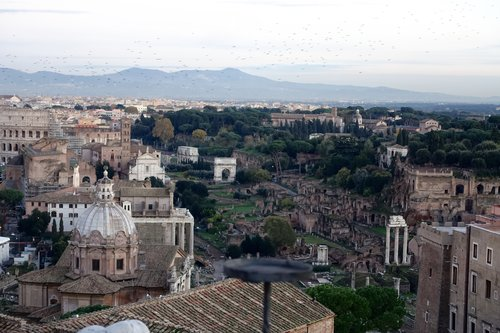 Roman Evening Stroll — Compass & Key - Travel Guides